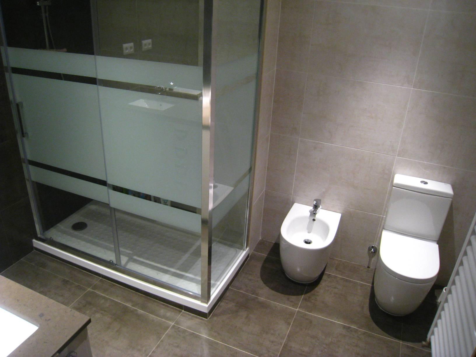 Mamparas baño y sanitarios